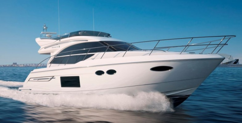 The new Princess 49: the first flybridge yacht with IPS
