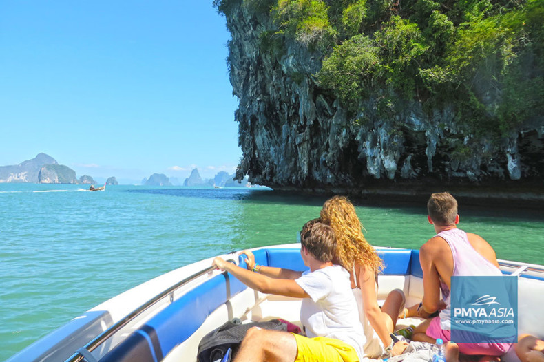 Click to see which speedboat is perfect for an island hopping day